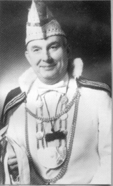 29-eedjenazarski-1982